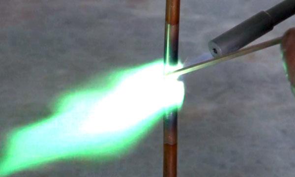 水火不容?!利用水來創造安全又高溫的火焰「Safe Flame」