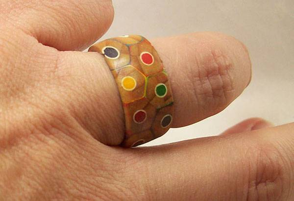【DIY OK】木頭戒指自己做,彩色鉛筆超繽紛~