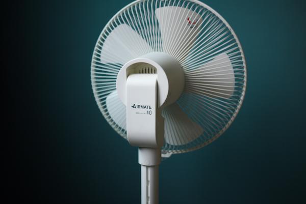 【生活玩物】超美型 ±0 直流變頻風扇,為了它我可以挑戰今夏不開冷氣!(挺)