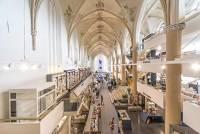 在上帝的眼皮子底下逛大街 舊教堂改建的複合式商場