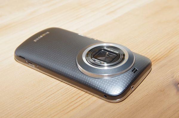 Galaxy K 系列第一款產品,三星 Galaxy K Zoom 在台推出