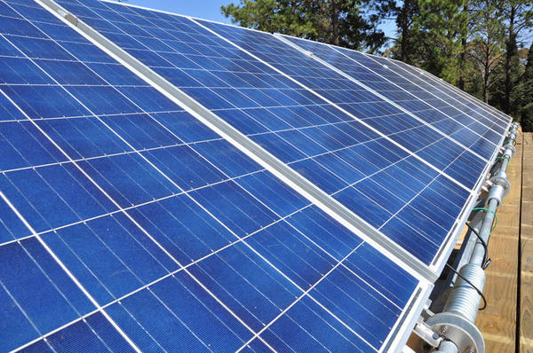 由可口可樂贊助給開發中國家的自給自足太陽能柑仔店