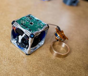[科技新報]變形金剛現身,MIT 研發出會自我組裝的機器人