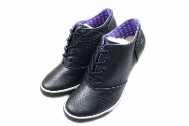 2014春夏新款 Burnetie女款 皮革高根鞋(黑色)