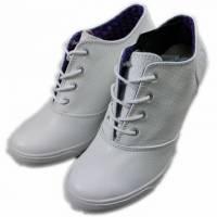 2014春夏新款 Burnetie女款 皮革高根鞋 白色