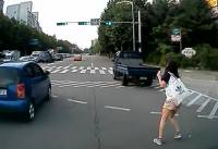 鬼一般的交通事故,神一般的奇蹟沒事,驚險刺激的馬路大怒神