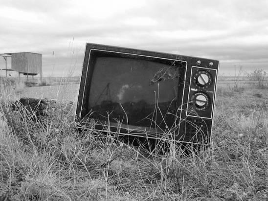 為何在網路的時代,電視仍然不會「絕種」?