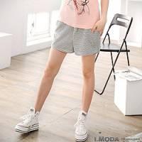 『【夏日下著任選65折】休閒步調~附腰帶氣質橫條紋舒柔棉質短褲.2色』