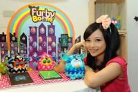 全球獨創3C新寵菲比精靈Furby Boom『蹦』出驚喜 超炫APP功能顛覆感官體驗 引爆菲比精靈F