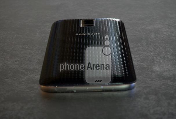 Galaxy S5 加強版 Prime 實機流出: 真的是第一部金屬 Samsung 手機? [影片]
