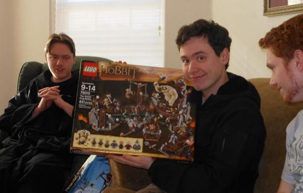 《哈比人2:荒谷惡龍》電影預告 – LEGO 版