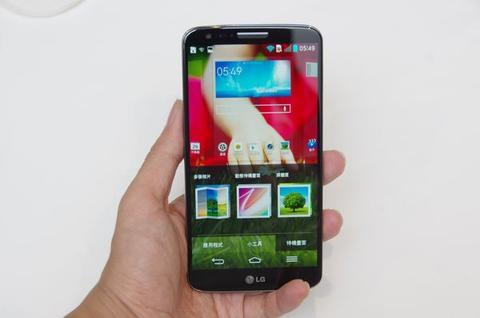 LG G2 搶先體驗,並預告台灣將在十月初引進(品名更正)