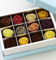 12入藏愛玫瑰巧克力禮盒