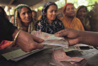 一個人可以改變世界:他,用微型貸款扭轉窮人命運