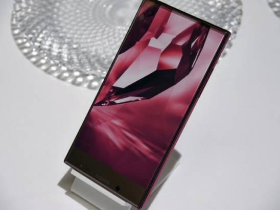 這是薄邊框的極緻工藝?Sharp將推Aquos Crystal以及Crystal X