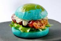 視覺上超衝擊的藍色地球漢堡