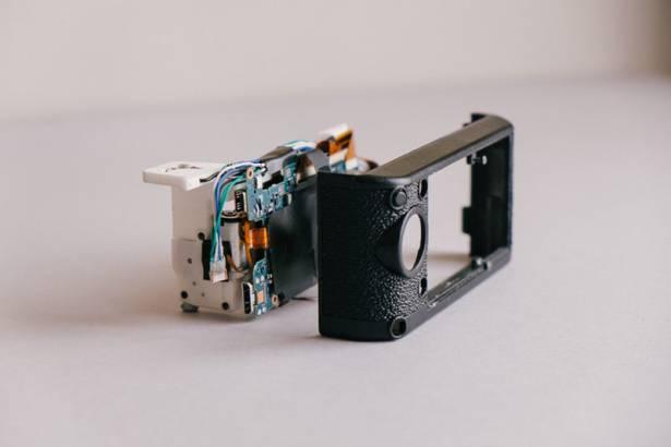 牛津 18 歲學生以 Sony NEX 5 組件,成功數碼化舊 Konica RF