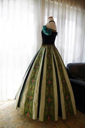 超完美細節,自己做「冰雪奇緣」Anna 洋裝