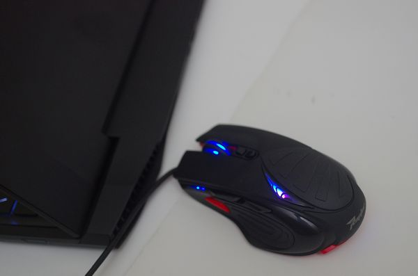 由 Make It Real 第一屆滑鼠設計賽冠軍催生, Gigabyte Raptor 電競滑鼠動手玩