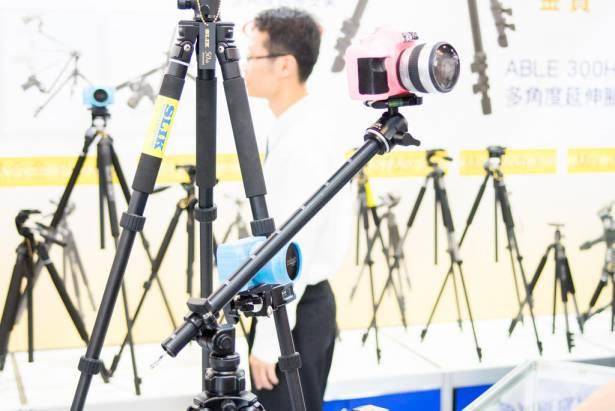 [攝影小教室] 買相機送腳架?看完這篇你就知道那種東西根本不叫「腳架」!