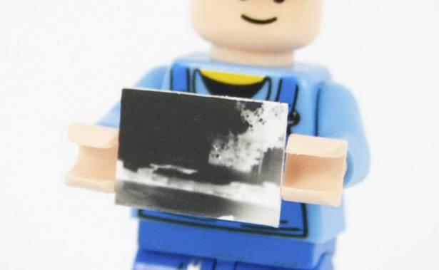 可能是世上最細 LEGO 相機 – 2X2 厚磚針孔相機