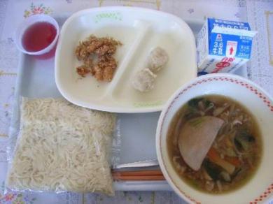 以吉卜力工作室電影裡出現過的菜餚為學校設計營養午餐