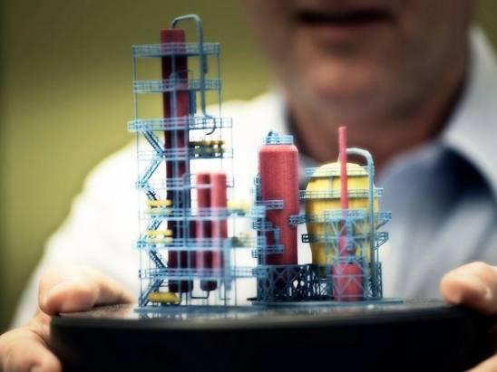 HP 展示 Multi Jet Fusion 3D 印表機,可進行多材料的混合列印