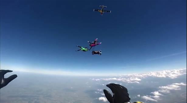 跳傘繩索誤繞頭盔上的 GoPro 超危險影片!