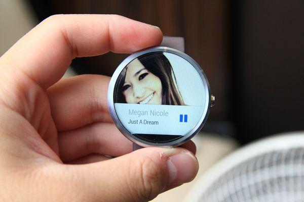 「開箱」簡約低調的華麗——Moto 360 圓錶面Smart Watch