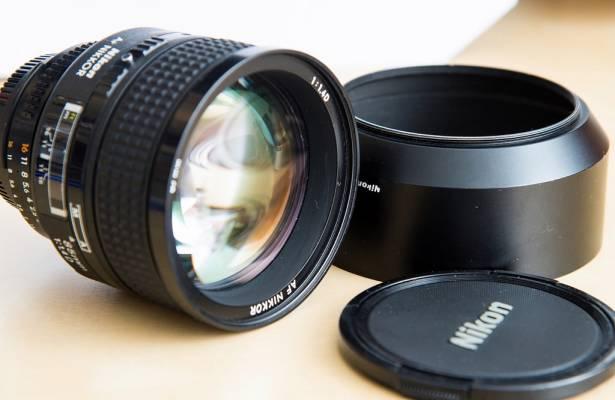 [攝影小教室] 人像老是拍不美?買顆長焦鏡頭輕鬆打造夢幻散景人像照!
