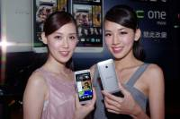 延續 HTC One 精髓而小一號的選擇, HTC One Mini 將在八月中開賣