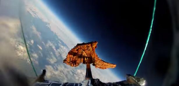 打書也要想像力: 一塊羊排上太空?