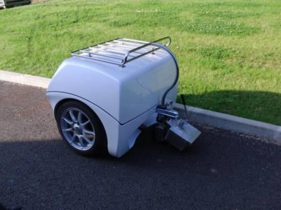 隨時充電!電動汽車都有專用「尿袋」