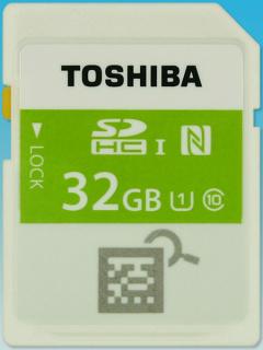 CES 2015 : Toshiba 展出 FlashAir 3 無線記憶卡以及具備 NFC 的無線記憶卡