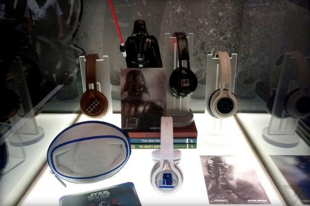 CES 2015:I'm your headphones!星際大戰聯名耳機