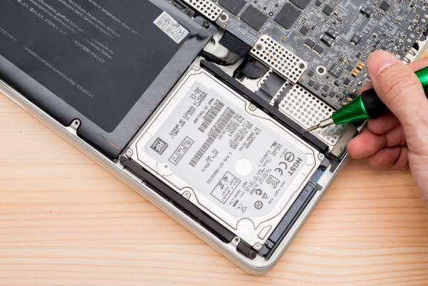 [蘋果急診室] SSD 太小硬碟又太慢!MacBook Pro 輕鬆升級雙硬碟解決「速度容量不兩全」難題!
