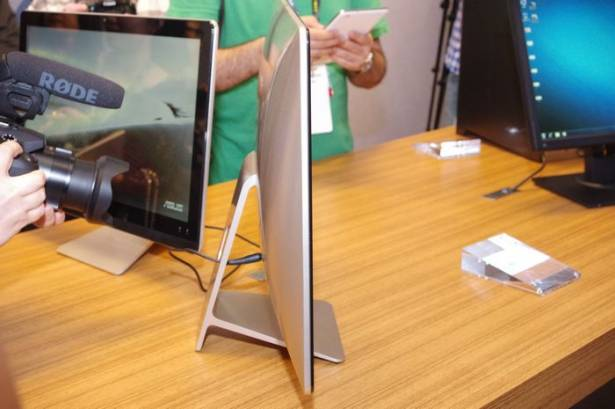 Computex 2015 :主打頂級規格並具備 USB Type C 的 AIO ,華碩發表 Zen AiO