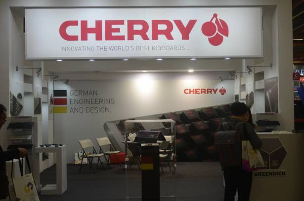 Cherry展出鋁上蓋有手托的鍵盤MX Board 6.0 G80-3930,訴求高品質以及極快的反應時間