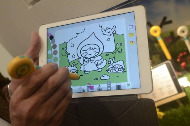 Computex 2015:mozbii兒童吸色觸控筆