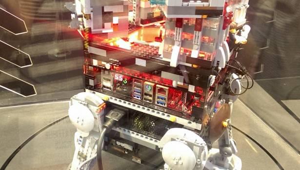 Computex 2015:ASUS ROG 打造的樂高主機 超想在家裡擺一台