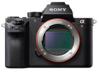 導入 42MP 35mm 片幅背照式元件與 399 點焦平面相位對焦點, Sony A7R II 霸氣登場