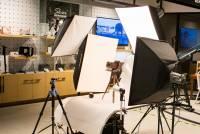 [攝影小教室] 進入影棚攝影第一步:你該買的是「棚燈」還是「攝影燈」呢?