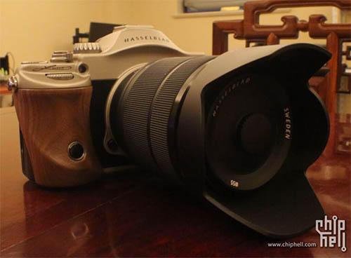 Hasselblad 版 A7R 、代號 Lusso 的新機外觀曝光