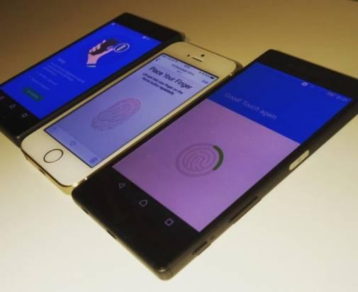 野生的 Xperia Z5 以及 Xperia Z5 Compact 攜手亮相了,疑似具指紋辨識設計