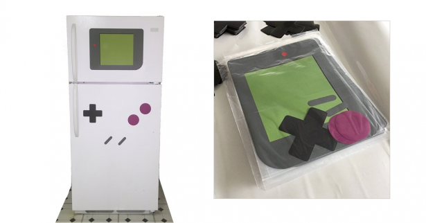 把你家的冰箱變成一台超大的Gameboy吧!就用Gameboy按鈕風格的磁鐵~
