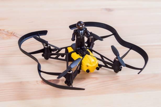 迷你四軸直升機 AirBorne Cargo Drone 全新登場!更會飛、更耐摔、更好操控!