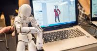 [面白日本] 動畫不用動手畫!日本獨賣的偵測動作畫面生成的機器人動手玩!