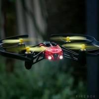Parrot四軸飛行器AIRBORNE NIGHT DRONE,就算是在夜間也可以飛得很好