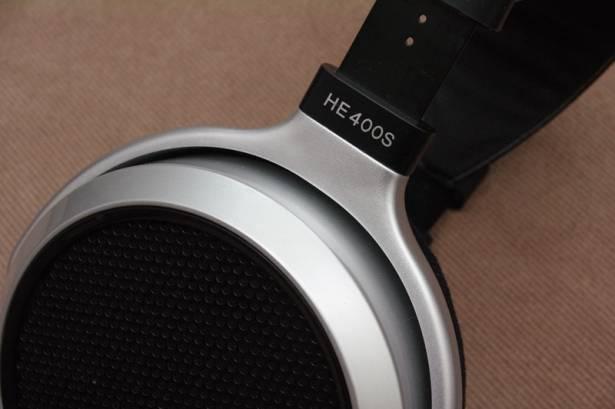 平價、易驅動的入門平面振膜耳機, HiFiMAN HE400S 動手玩