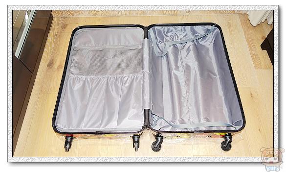 遠傳網路門市手機版獨家期間限定商品小小兵28吋行李箱 & 小小兵行動電源 你收藏了嗎??